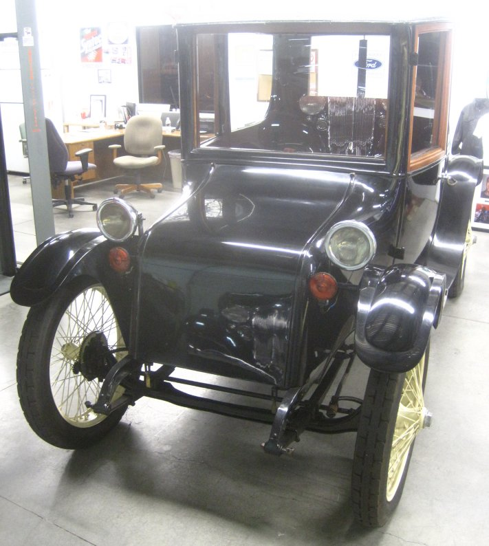 1921 Milburn Electric Car - Photos